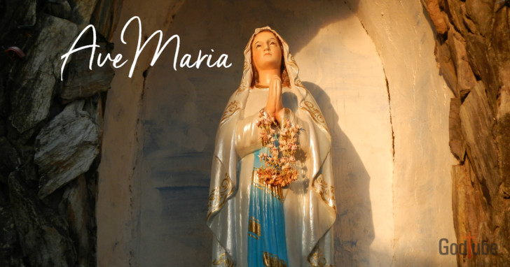 Is 'Ave Maria' really a Christmas song?